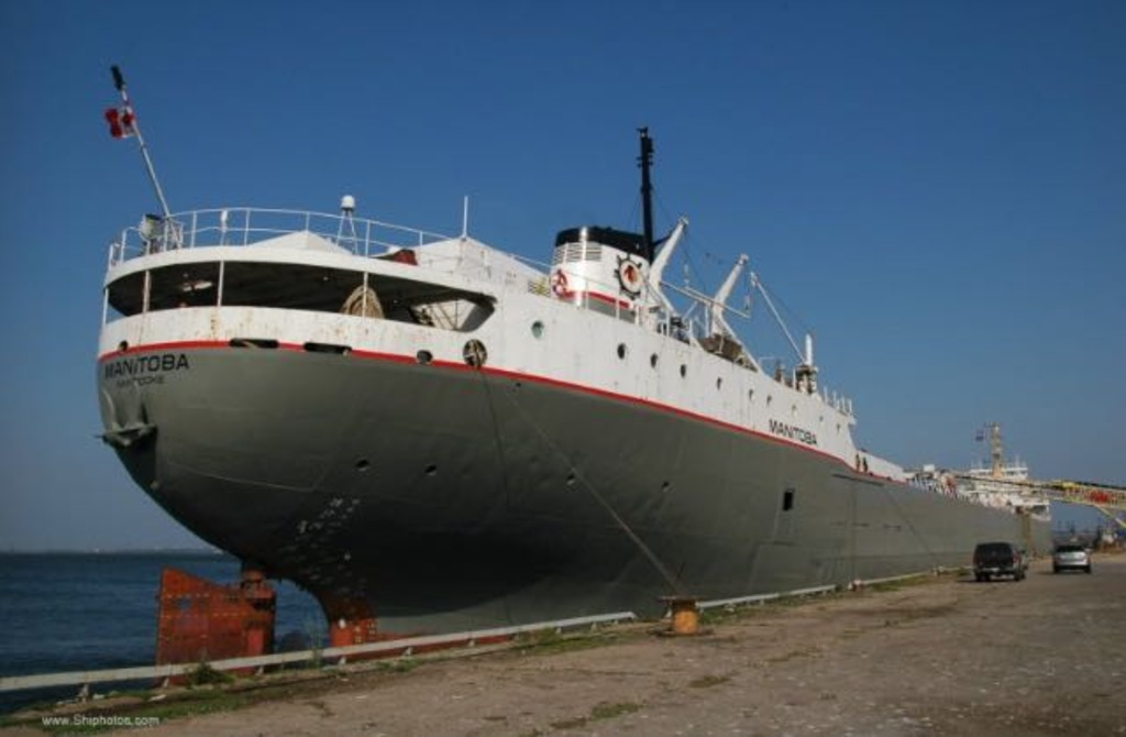 picture of great lakes ship: Manitoba