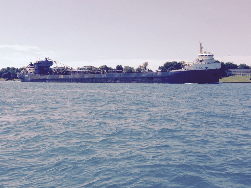 picture of great lakes ship: