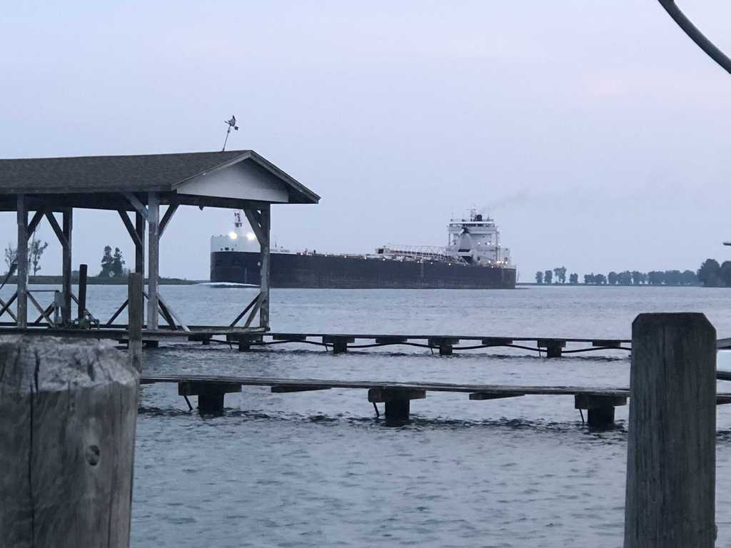 picture of great lakes ship: American Mariner